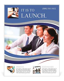 Tres hombres de negocios sentado en el seminario, la atención se centra en la mujer Flyer