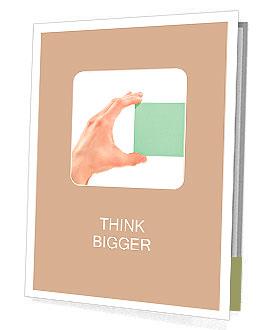 Lidská ruka drží prázdné nálepky / Note / papír izolovaných na bílém Prezentační složky