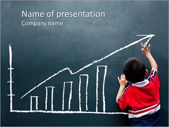 Le garçon dessine Tableau Modèles des présentations  PowerPoint