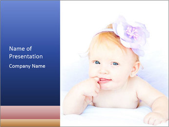 Baby Girl with Flower in Hair PowerPoint šablony