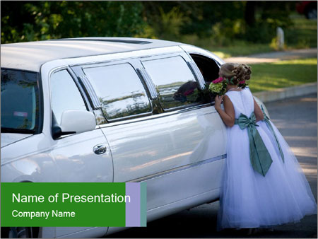 Girl with a bouquet looks in the window of the limousine and dreams Plantillas de Presentaciones PowerPoint